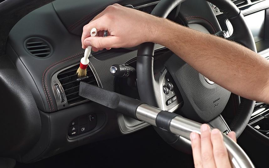 Curatare interioare auto